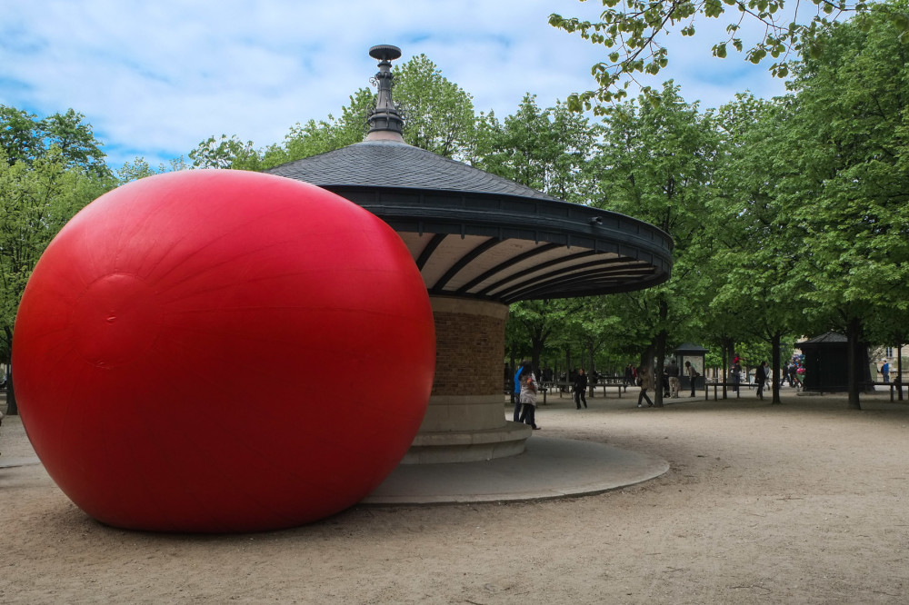 RedBall au Jardin du Luxembourg